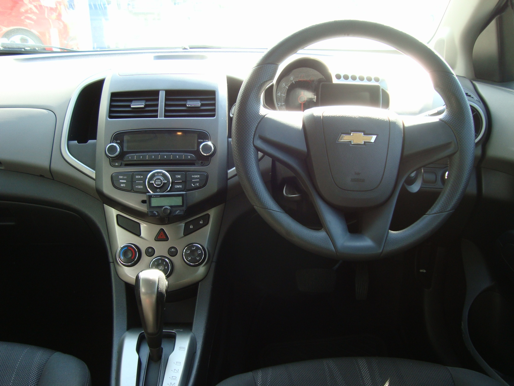 Chevrolet Sonic 1.6 Ls (A) full