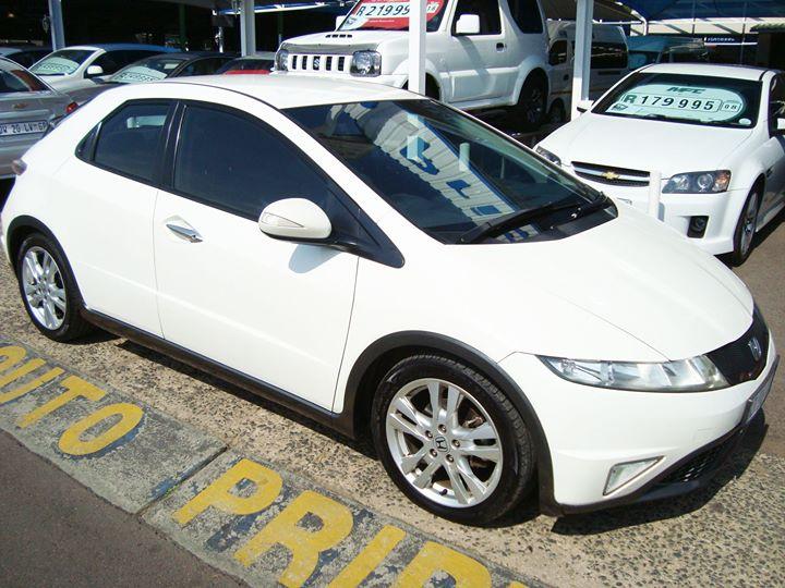 2011 Honda Civic 1.8i-vtec Vxi 5dr R119 995 http://auto...