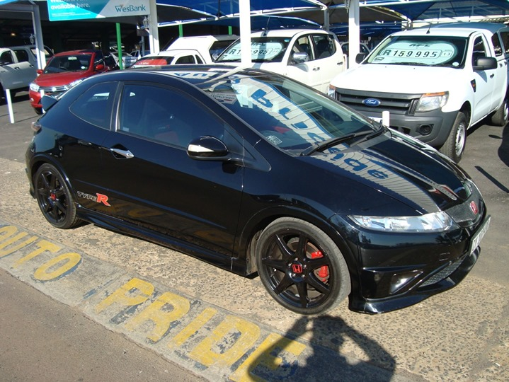 2010 Honda Civic 2.0 Type R https://autopride.co.za/lis...